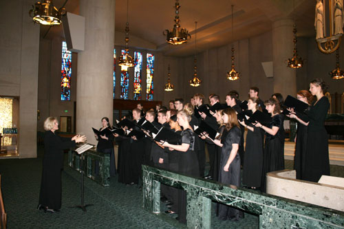 The Asbury College chorale will perform in England.