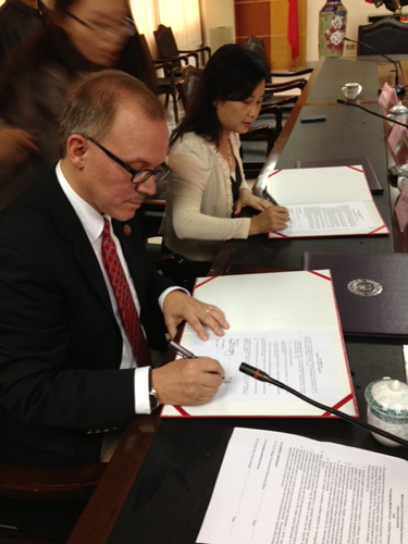 Dr. Jon Kulaga signed an agreement with Huanggang Middle School - Huizhou Campus during a recent visit to China.