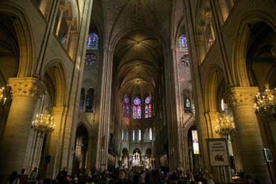 Site visits to locations of cultural significance, such as Notre Dame, are an important component of the Paris Semester.