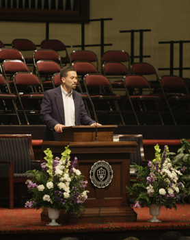 Rev. Keith Koteskey '88 spoke during the Sunday morning Chapel service.