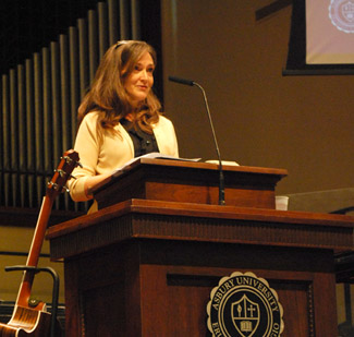 Diane Nelson '83 Ury shared with Asbury students in Chapel during Fall Revival.