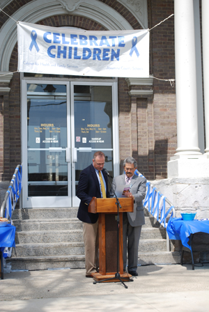 Nicholasville mayor Russ Meyer and Wilmore mayor Harold Rainwater issue a proclamation for Child Abuse Prevention Month.