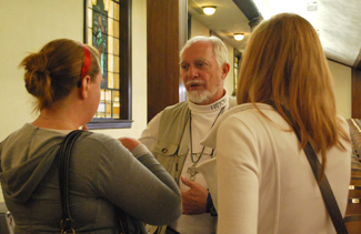 Gresham chatted with students after Chapel. He will speak at Asbury again at 7 p.m. on Sept. 23.
