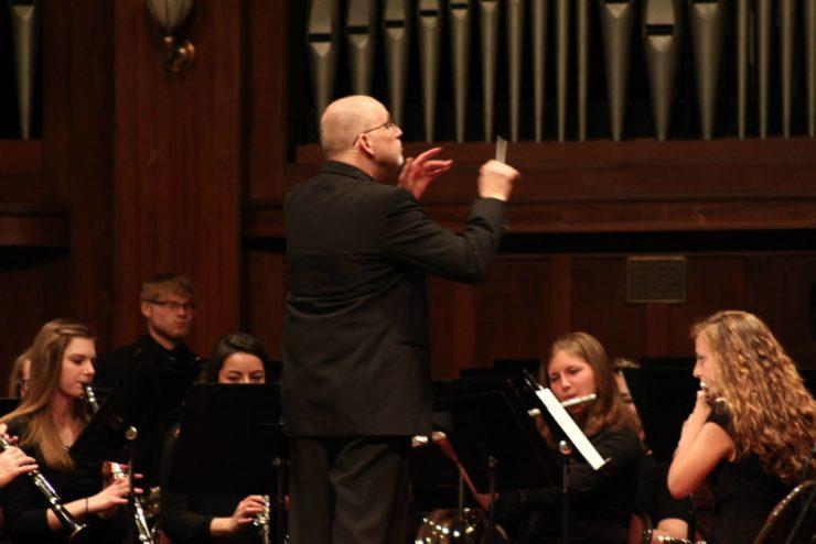 Dr. Glen Flanigan directing Concert Band