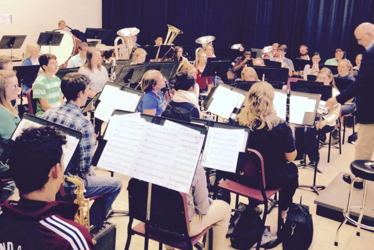 Dr. Glen Flanigan directing a Concert Band rehearsal