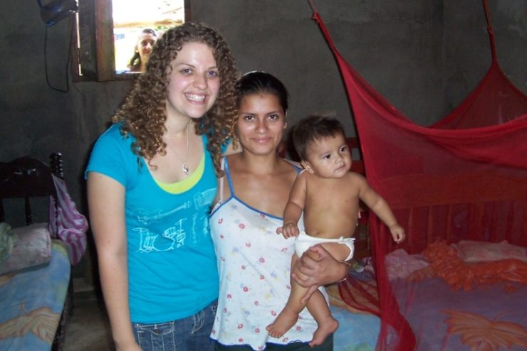 student with a mother and child in Nicaragua